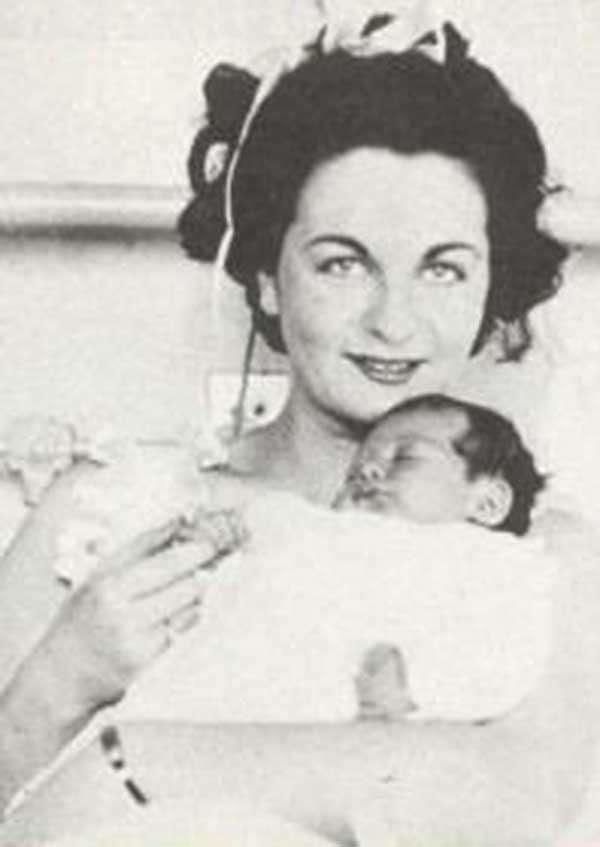 Мать Мишель Мерсье