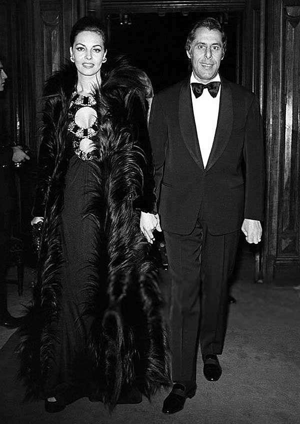 """Октябрь 1972 год. Мишель Мерсье и ее супруг - Клод Бурилло на премьере фильма """" Крестный отец"""" (1972)"""